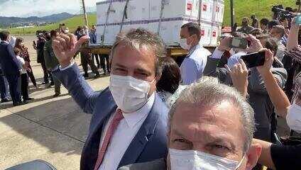Carga com vacinas contra a Covid-19 são enviadas ao Ceará