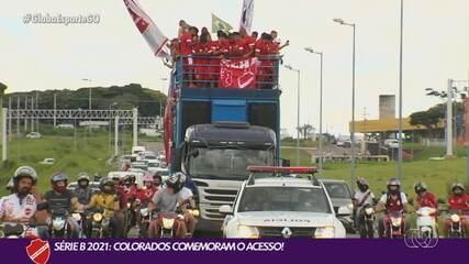 Vila Nova é recebido com festa após conquista do acesso