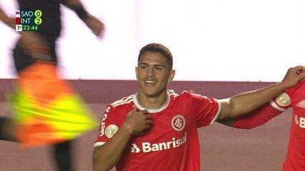 E de outro: jogada do gol de Caio Vidal começa com lançamento de Lomba