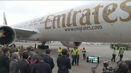 Avião com 2 milhões de doses da vacina de Oxford chega a SP