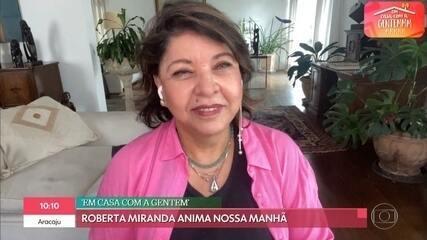 Roberta Miranda relembra início da carreira e canta 'Te abraço com música'