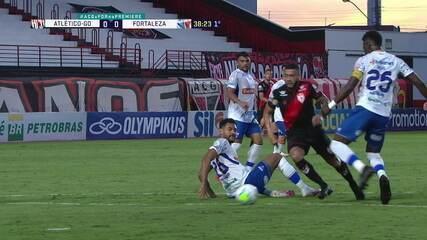 Melhores momentos de Atlético-GO 2 x 0 Fortaleza pela 32ª rodada do Brasileirão