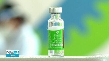 Idosos a partir de 85 anos começam a ser vacinados contra a Covid-19 no Recife