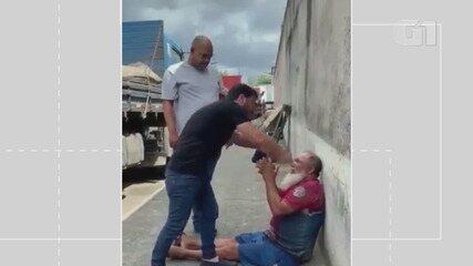VÍDEO: ex deputado ameaça e agride suspeito de bater em um cachorro na Bahia