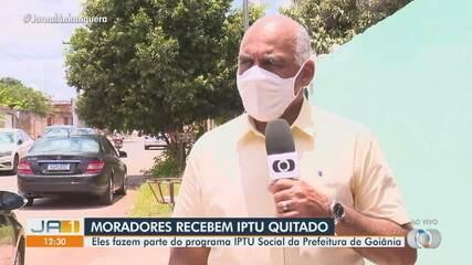 Moradores que fazem parte do programa IPTU Social recebem tributo quitado em Goiânia