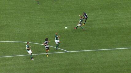 Rafael Navarro marcou belo gol contra o Palmeiras pelo Brasileirão de 2020