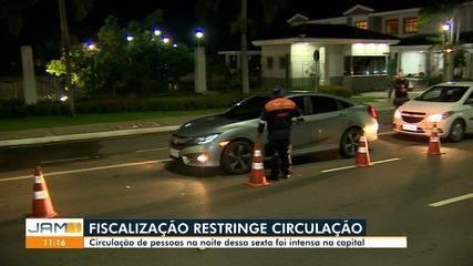 Ruas de Manaus têm movimento intenso mesmo com toque de recolher