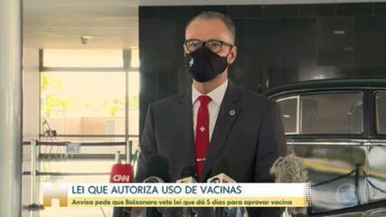 Diretor da Anvisa pede a Bolsonaro para vetar MP que dá 5 dias para agência autorizar vacinas da Covid emergencialmente