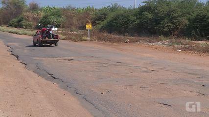 Los conductores enfrentan dificultades en la carretera C3 debido a los baches