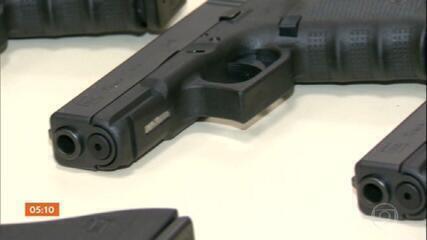 Quatro decretos que facilitam o acesso às armas recebem críticas no Congresso