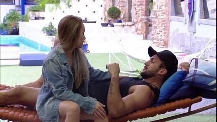 Carla Diaz conversa com Arthur no BBB21: 'Achei que você estava chateado'