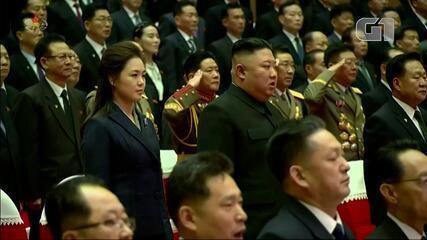 Mulher de Kim Jong-un faz rara aparição pública na Coreia do Norte