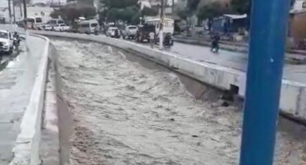 Canal Granjeiro transborda com chuva de 100 milímetros no Crato, no Ceará
