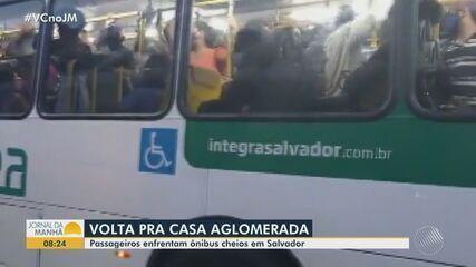 Passageiros reclamam de aglomeração nos transportes públicos de Salvador