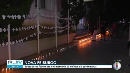 300 velas são acesas em memória aos mortos pela Covid-19 em Nova Friburgo
