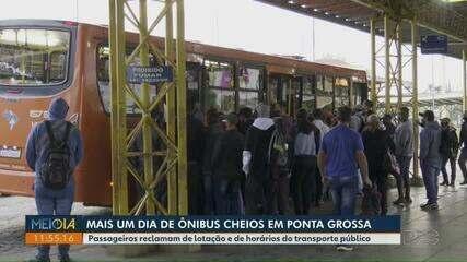 Passageiros reclamam de lotação e de horários do transporte público em Ponta Grossa