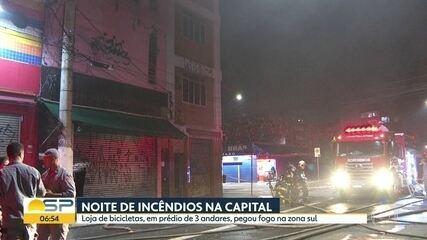 Uma loja de bicicletas pegou fogo em Santo Amaro, na Zona Sul de SP