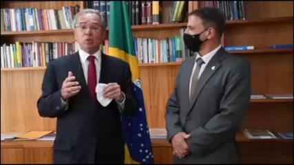 'Sem saúde, não há economia', diz Guedes