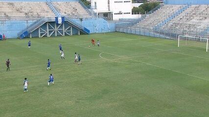 Ronaldo, é você? Jogador no Amazonas rouba a bola do goleiro e faz gol à la Fenômeno