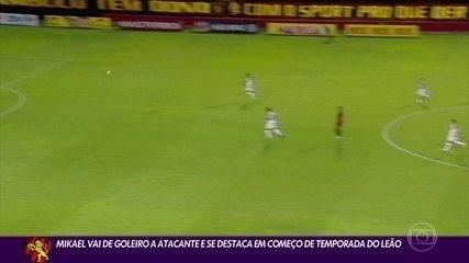 MIkael vai de goleiro a atacante e se destaca no Sport
