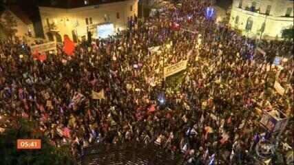 Milhares de pessoas vão às ruas pedir a renúncia de Netanyahu às vésperas de eleição em Israel