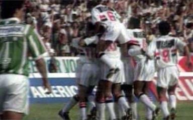 Em 1992, melhores momentos de São Paulo 2 x 1 Palmeiras, pela final do Campeonato Paulista