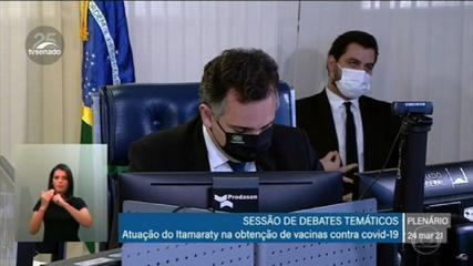 Assessor do Palácio do Planalto faz gesto obsceno e supremacista