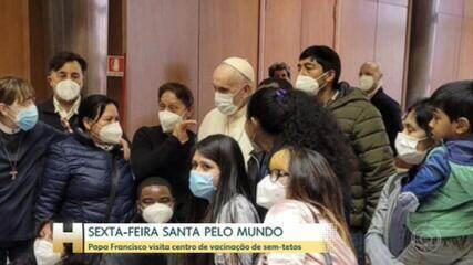 Papa Francisco visita centro de vacinação para sem-teto