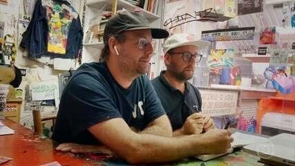 Gustavo e Otávio Pandolfo falam sobre infância e processo criativo de OsGêmeos
