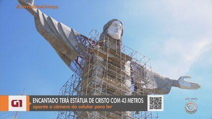 Estátua de Cristo em Encantado recebe braços e rosto; monumento tem 43 metros