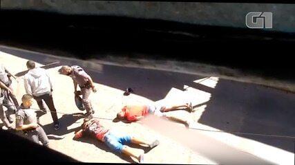 PM pisa na cabeça de suspeito de roubo em SP enquanto outra rapaz aparece sangrando após ser baleado no rosto por policial