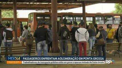 Com motoristas em greve, terminais de ônibus amanhecem lotados em Ponta Grossa