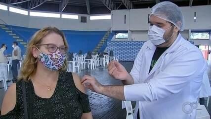 Marília começa a vacinar profissionais da Educação contra a Covid