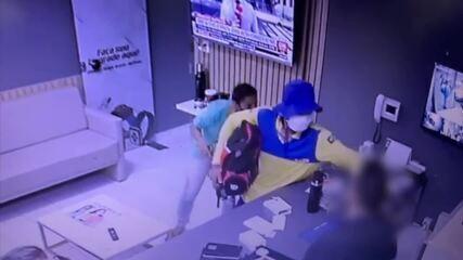 Assaltante vestido de carteiro rouba loja de celular em Mossoró