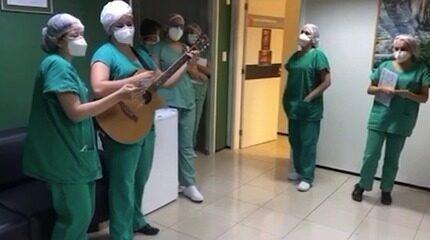 Profissionais de saúde cantam e enviam mensagens para pacientes com Covid-19 no Piauí