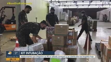 Medicamentos do 'kit intubação' são distribuídos para municípios do RS