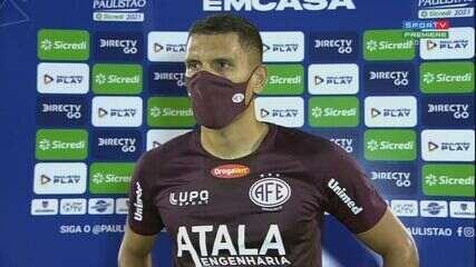 """""""Sabíamos da bola parada do Guarani"""", lamenta Meritão após derrota da Ferroviária"""