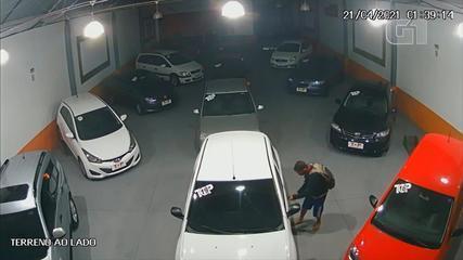 Homem rouba carro de revenda em Rio Grande