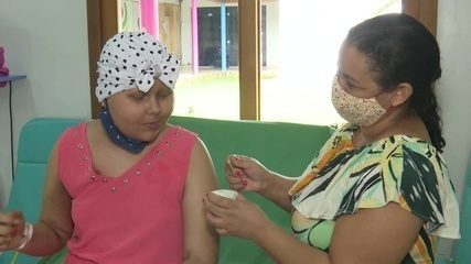 Projeto leva sorvete a pacientes com câncer para aliviar sintomas da quimioterapia