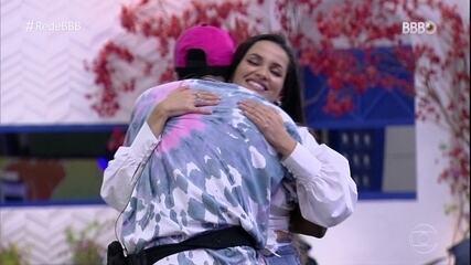 Lucas Penteado diz a Juliette no BBB Dia 101: 'Tive que ir embora pra você ganhar'