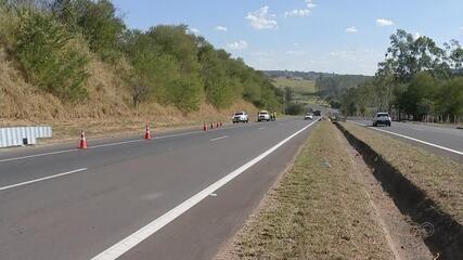 Acidente entre caminhão e carro deixa quatro mortos em rodovia de Avaí