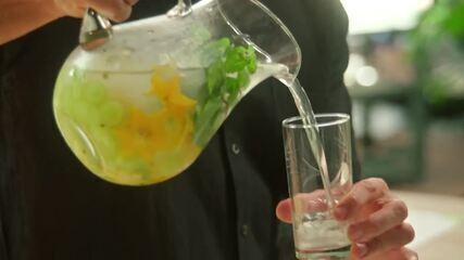 Água de coco saborizada