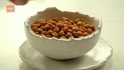 Snack de grãos-de-bico com páprica doce