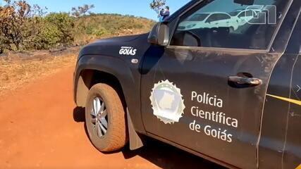 Carro queimado encontrado em área de buscas por Lázaro Barbosa passa por perícia