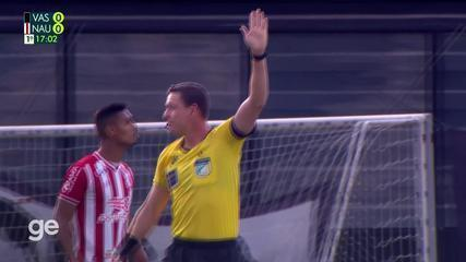 Aos 16 min do 1º tempo - impedimento de Gabriel Pec do Vasco contra o Náutico