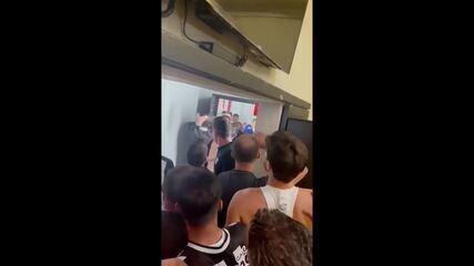 Confusão após partida entre Atlético-MG e Boca Juniors no Mineirão