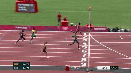 Alison dos Santos faz prova tranquila, termina em segundo e avança para a semifinal dos 400m com barreiras