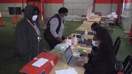 EUA vão exigir que funcionários públicos tomem vacina ou façam testes semanais