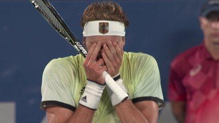 Zverev fecha o terceiro set com mais uma quebra de saque e está na final do tênis