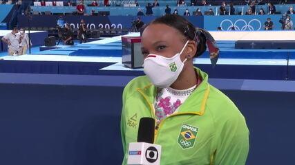 """Mesmo sem medalha no solo, Rebeca Andrade fica feliz por participação: """"Eu amo me apresentar"""""""
